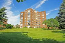 Flat to rent in Broom Park, Teddington