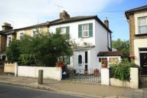 3 bedroom house to rent in Queens Road, Teddington
