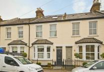 3 bedroom house in Victor Road, Teddington