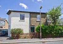 3 bedroom home in Gomer Place, Teddington