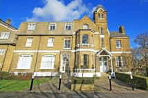 2 bedroom Flat in Hampton Road, Teddington