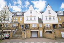 4 bed property in Admiralty Way, Teddington