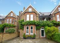 5 bed home in Park Road, Teddington