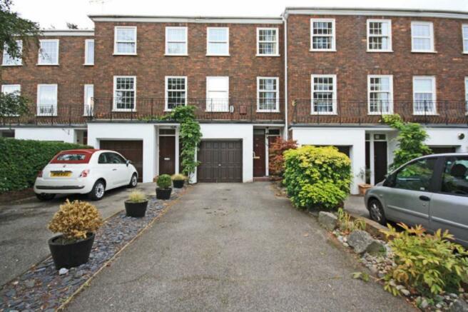 3 Bedroom House To Rent In Broom Park Teddington TW11