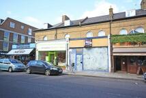 Flat to rent in Broad Street, Teddington