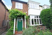4 bed property in Erncroft Way, Twickenham
