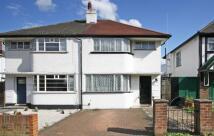 3 bed home in Beech Way, Twickenham
