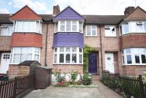 5 bedroom home in Lincoln Avenue...