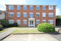 1 bedroom Flat in Abbotsmede Close...