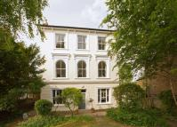 5 bedroom home in Belmont Road, Twickenham