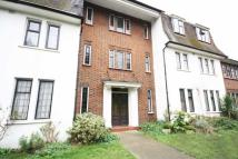 Flat to rent in Tower Road, Twickenham