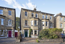 5 bedroom property for sale in Sutton Lane North, London