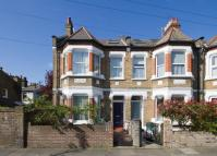 4 bed home in Kingswood Road, London