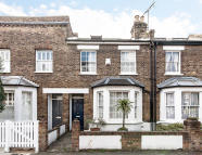 3 bed home in Antrobus Road, London