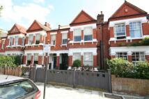 4 bedroom house in Alwyn Avenue, London