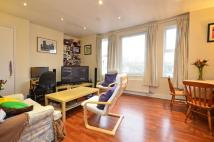 2 bed Flat in Garratt Lane, Earlsfield...