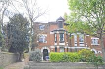 2 bed Flat to rent in Heathfield Road...
