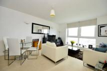 Flat to rent in Mapleton Road...