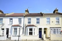 4 bed house in Graveney Road, Tooting...