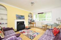 Flat to rent in Garratt Lane, Earlsfield...