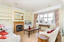2 bedroom Maisonette in Ellerton Road...