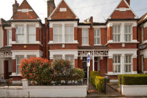 3 bed house to rent in Shirley Road, Chiswick...