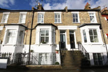 2 bed Flat in Coombe Road, Chiswick...