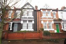 Flat to rent in St Albans Avenue...