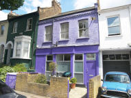 2 bedroom Flat in Acton Lane, Chiswick...