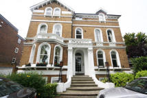 2 bedroom Flat in Bolton Road, Chiswick
