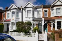 house to rent in St. Albans Avenue...