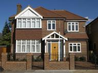 4 bed property in Grove Park Road, Chiswick