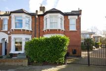 4 bed property in Whitehall Park Road...