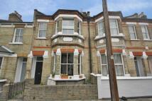 1 bedroom Flat to rent in Alkerden Road, Chiswick