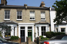 2 bedroom house in Saville Road, Chiswick...