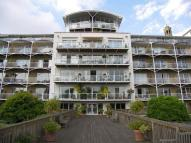 2 bedroom Flat in Regatta Point...