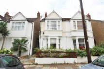 Flat to rent in Florence Road, Chiswick...