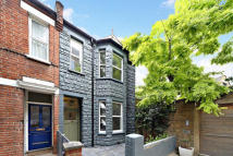 4 bed property to rent in Seymour Road, Chiswick...