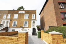 Flat in Kew Bridge Road, Kew...