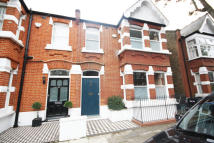 4 bed Flat in Cleveland Avenue...