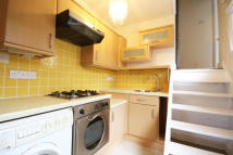 1 bedroom Flat to rent in Sutton Lane South...