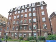 Flat to rent in Heathfield Court...