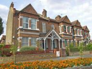 3 bedroom Flat in Southfield Road...