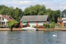 3 bed Detached Bungalow for sale in Felix Lane, Shepperton