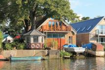 4 bed home in Eel Pie Island...