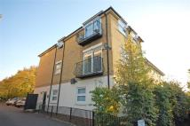 Flat to rent in Portsmouth Road...