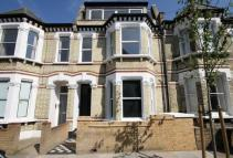 3 bedroom Flat in Corrance Road...