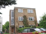 2 bedroom Flat to rent in Park Hill...