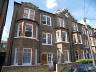 2 bed Flat in Cato Road, Clapham North