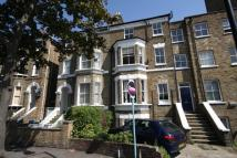 Flat to rent in Gauden Road...